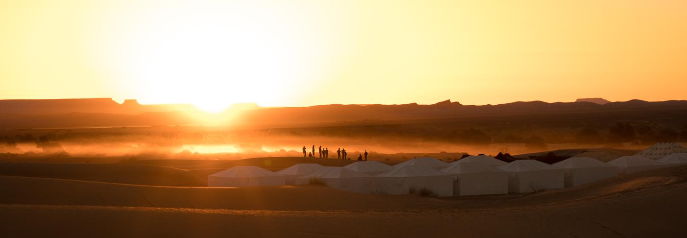 Matin dans le désert du Sahara de notre tente - Voyage avec Allo Destinations