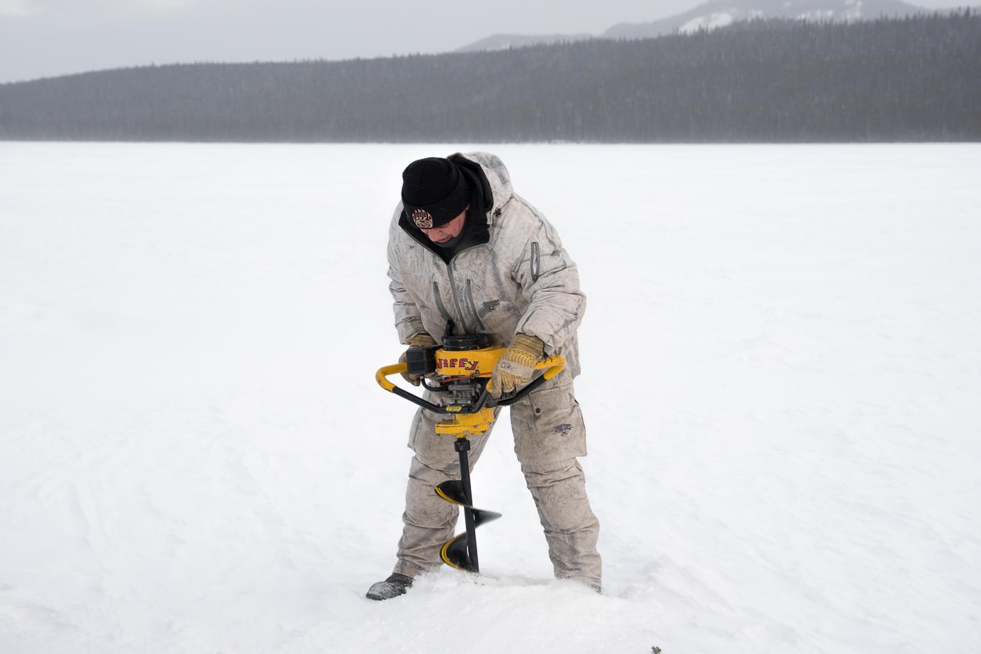 Quoi faire en hiver au Yukon - Voyage à Whitehorse et pêche sur la glace