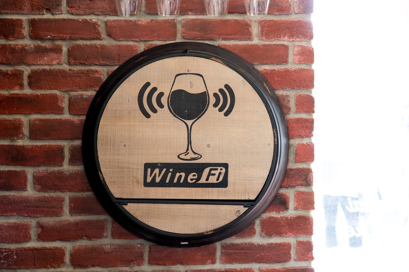 Affiche de zone Wi-Fi au Coteau des artisans - Vignoble