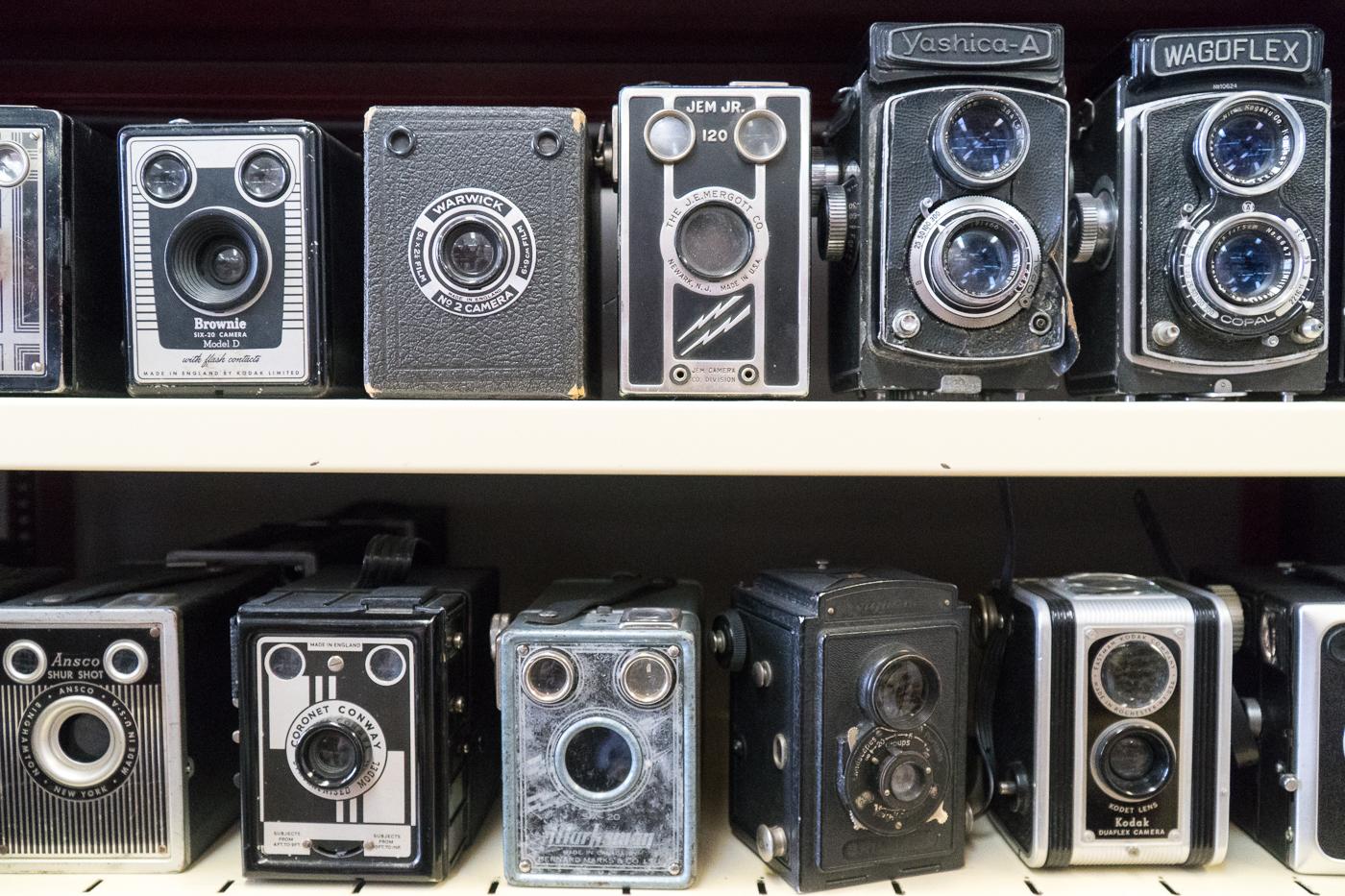 Collection d'appareils photo vintage au musée de la photo du Québec