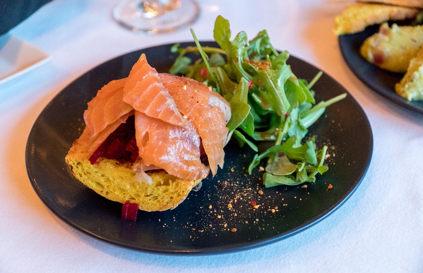 saumon fumé et salade à la bonne vôtre - où manger à Drummondville au Centre-du-Québec
