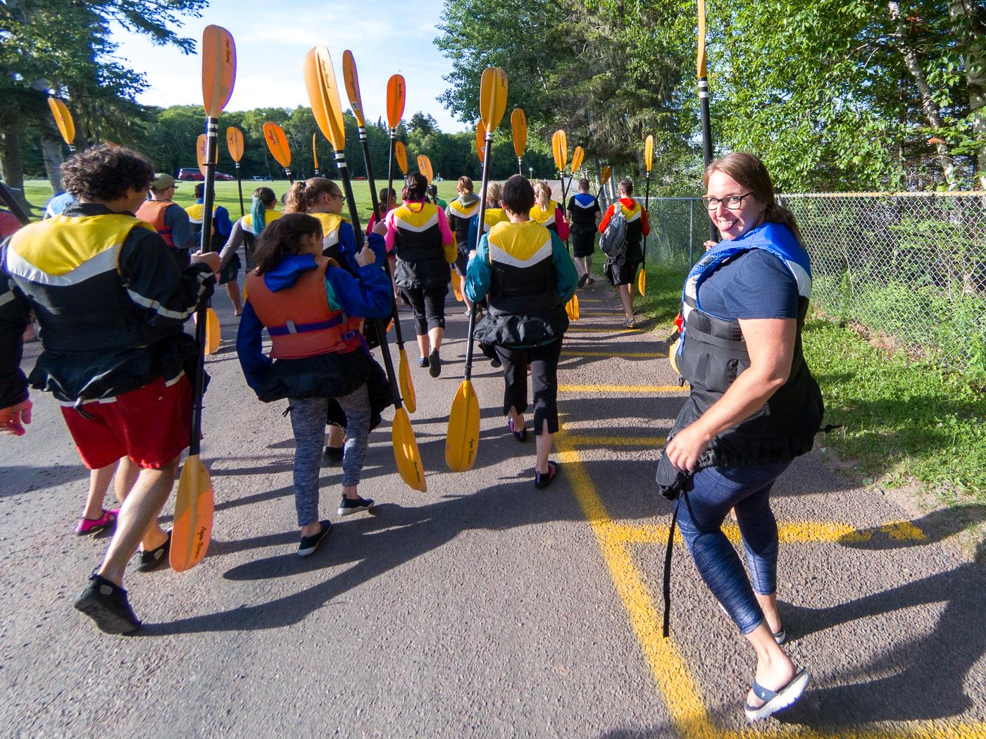 Départ en kayak avec pagaies