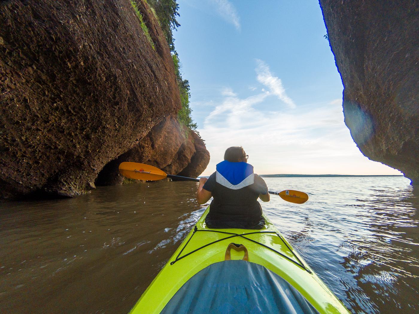 McGlobetrotteuse sur l'eau en kayak