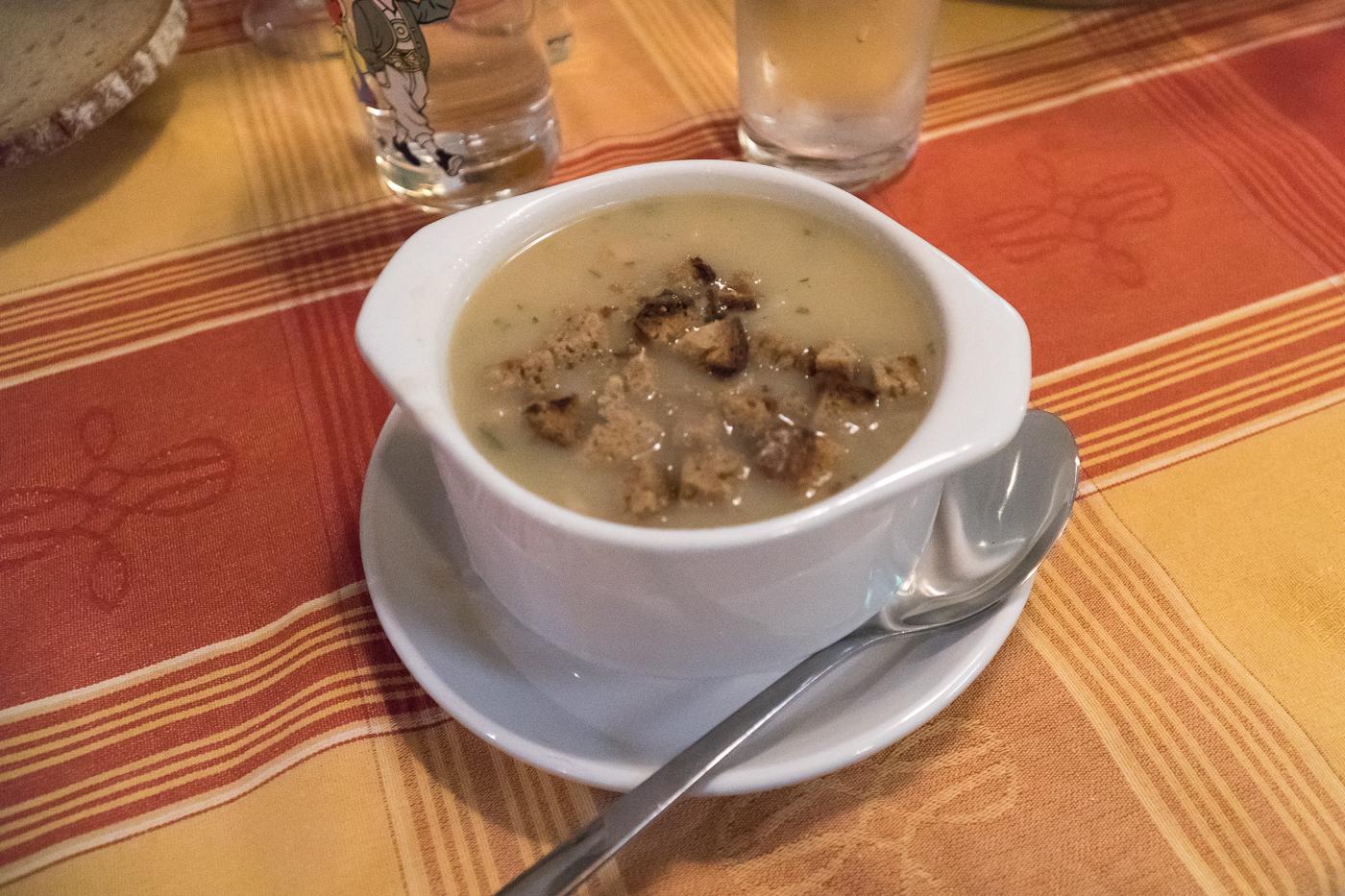 Bol de soupe et lard à la Lurgrotte Peggau