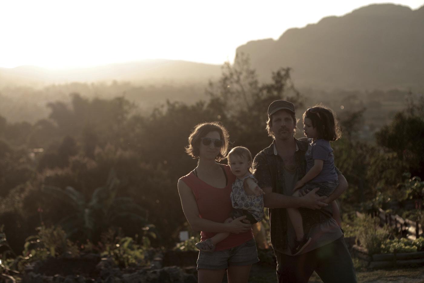 Voyage en famille à Cuba au coucher de soleil
