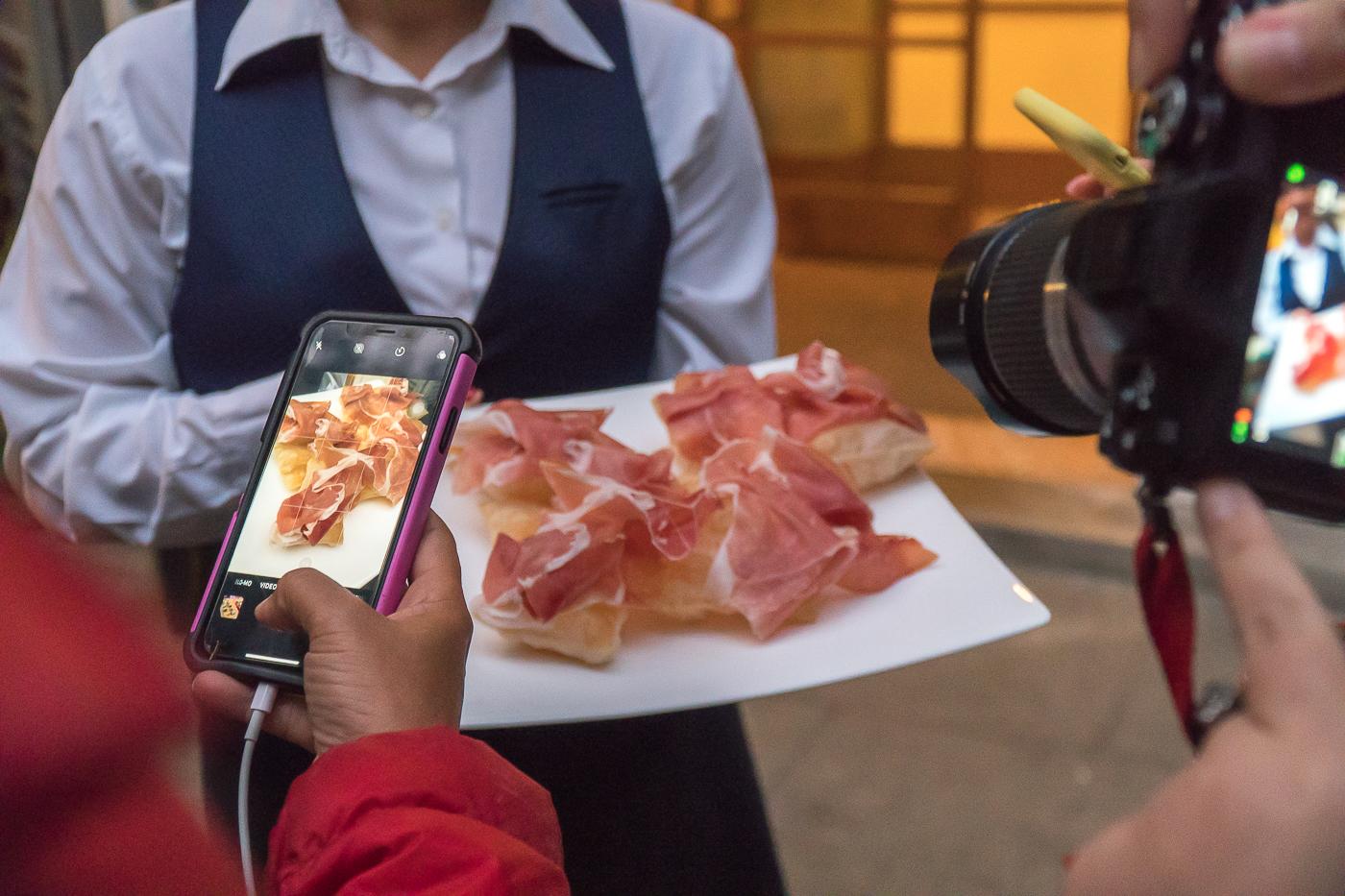 Charcuterie italienne gnocco fritto - Quoi manger en Italie