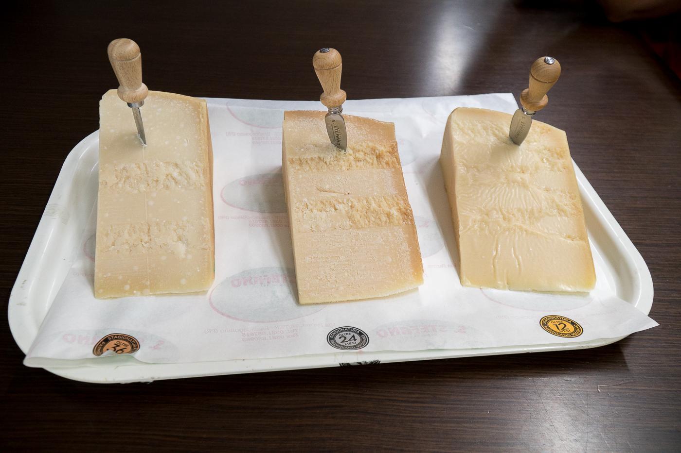 Dégustation de parmigiano reggiano - Parmesan à visiter en Italie
