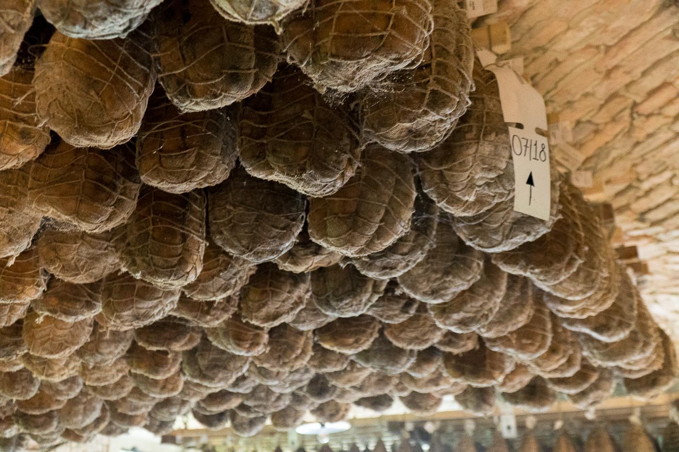 Jambon culatello - Charcuterie suspendue à Parme en Émilie-Romagne