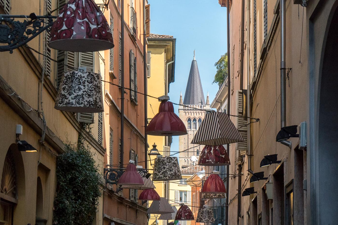 lanternes dans les rues de Parme