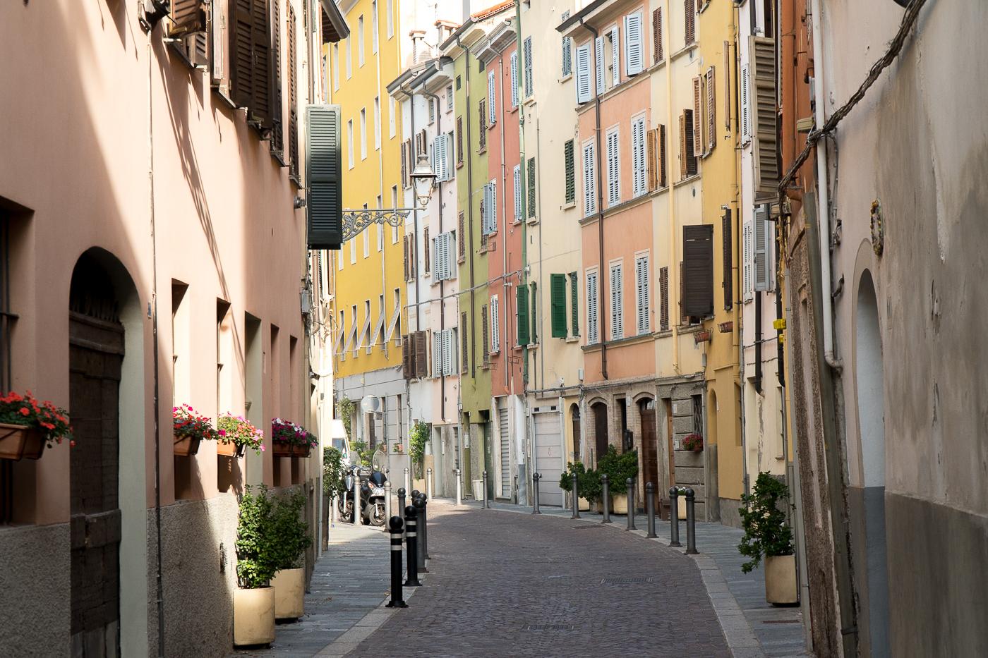 Ruelle colorée de Parme à voir en Italie