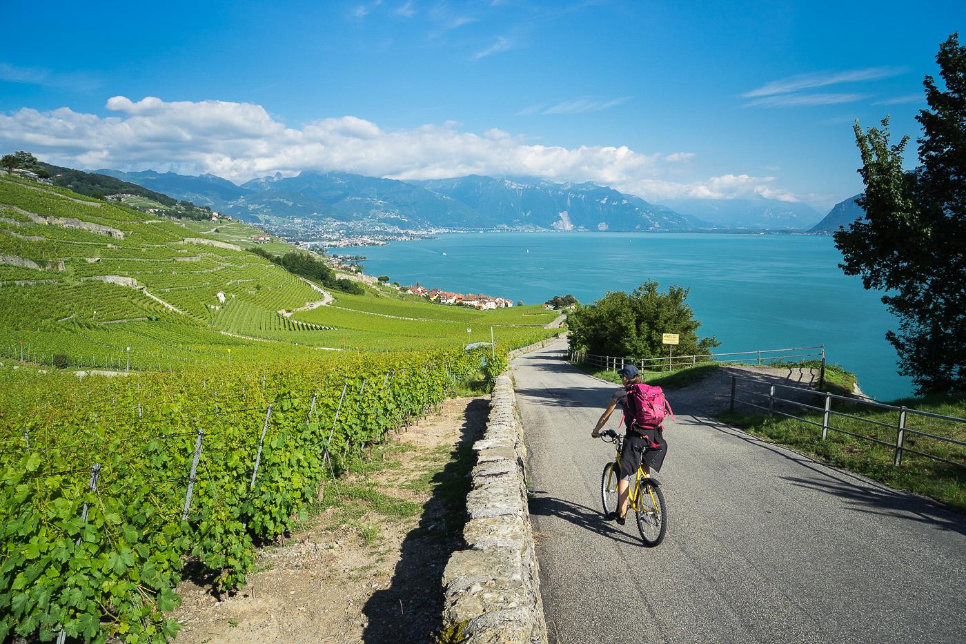 Route du Rhône en Suisse et France à vélo par Du monde au tournant