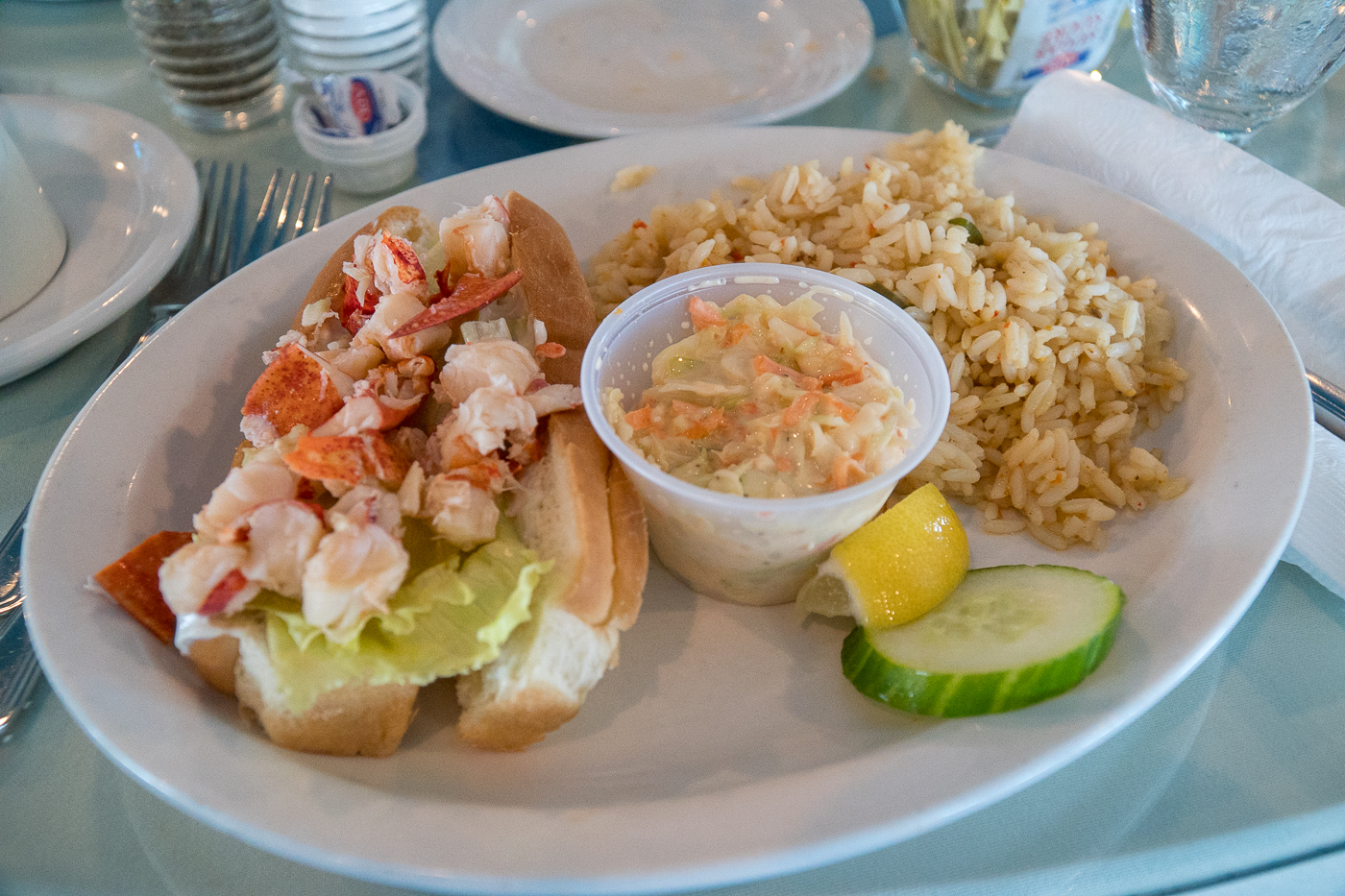 Lobster roll et riz - quoi manger à l'Île-du-Prince-Édouard au Wind and Reef