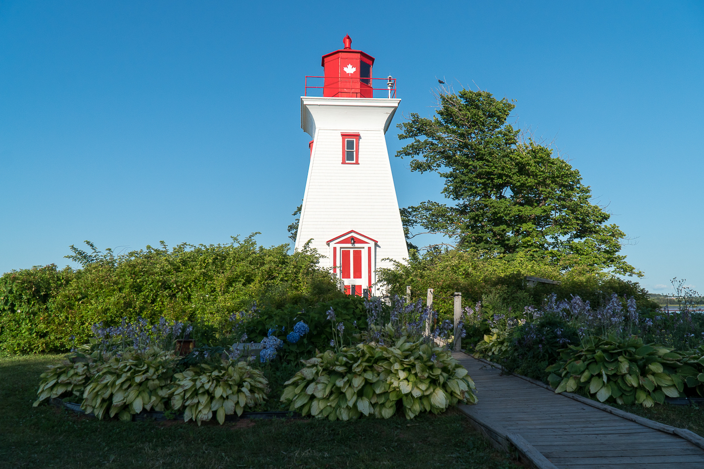 Phare rouge et blanc à Victoria-by-the-Sea à voir à l'Île-du-Prince-Édouard