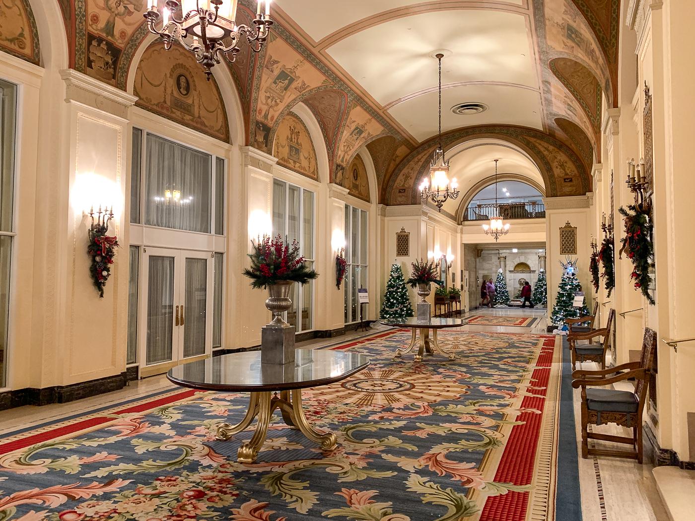 couloirs Fairmont Château Laurier - Hôtel mythique d'Ottawa, Canada