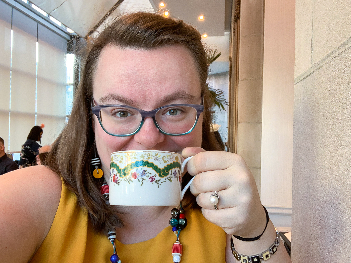 Jennifer au thé à l'anglaise - Zoe's Ottawa