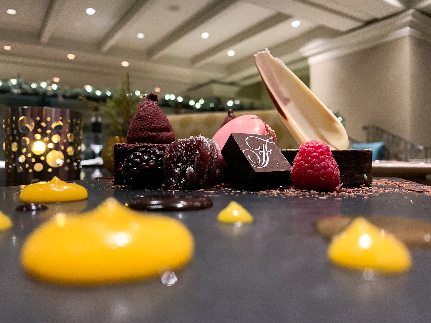 Plateau de chocolat et desserts - Resto Wilfrid'sa