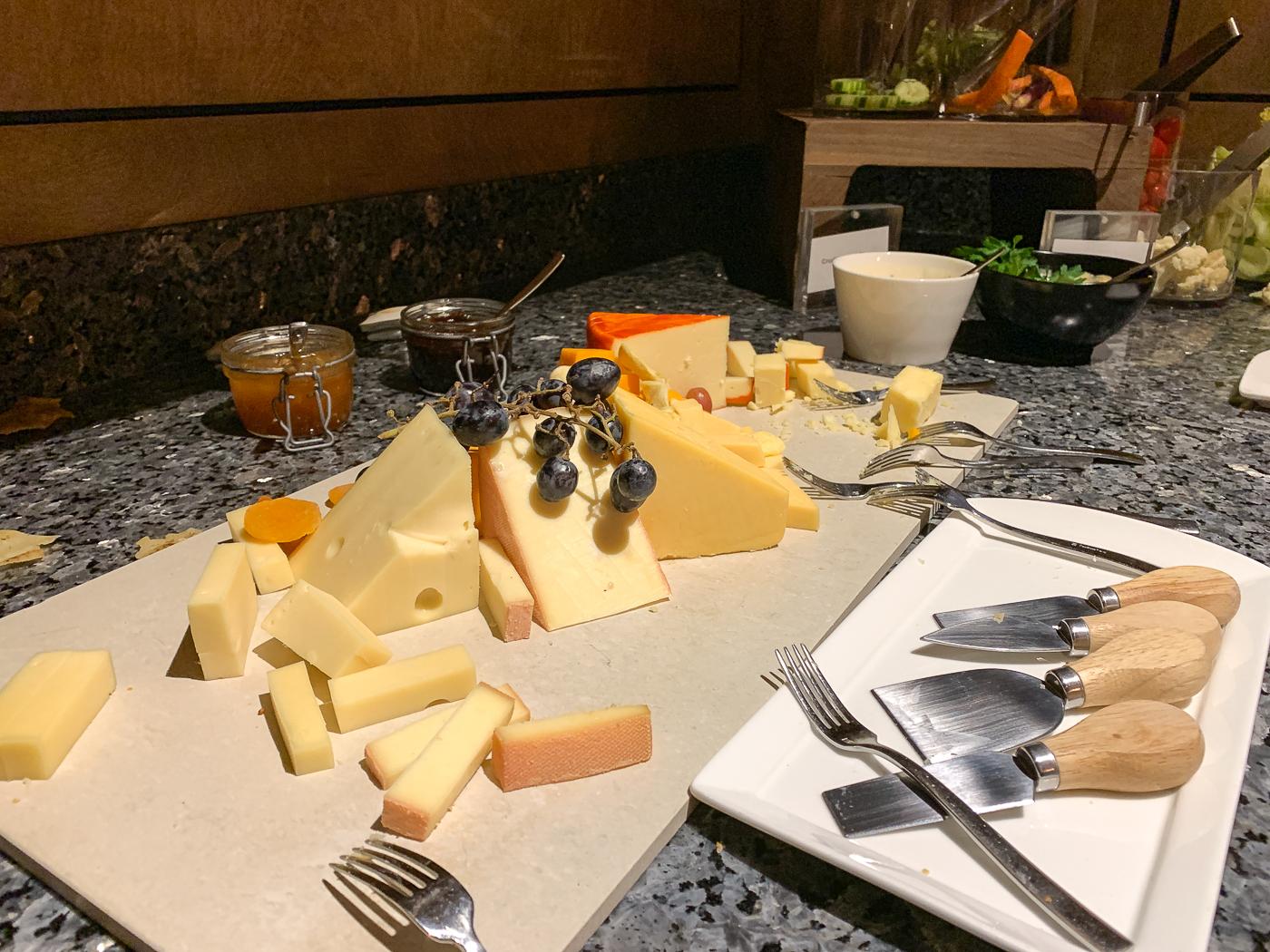 Plateau de fromages gratuit au Fairmont Gold - Pourquoi dormir au Château Laurier