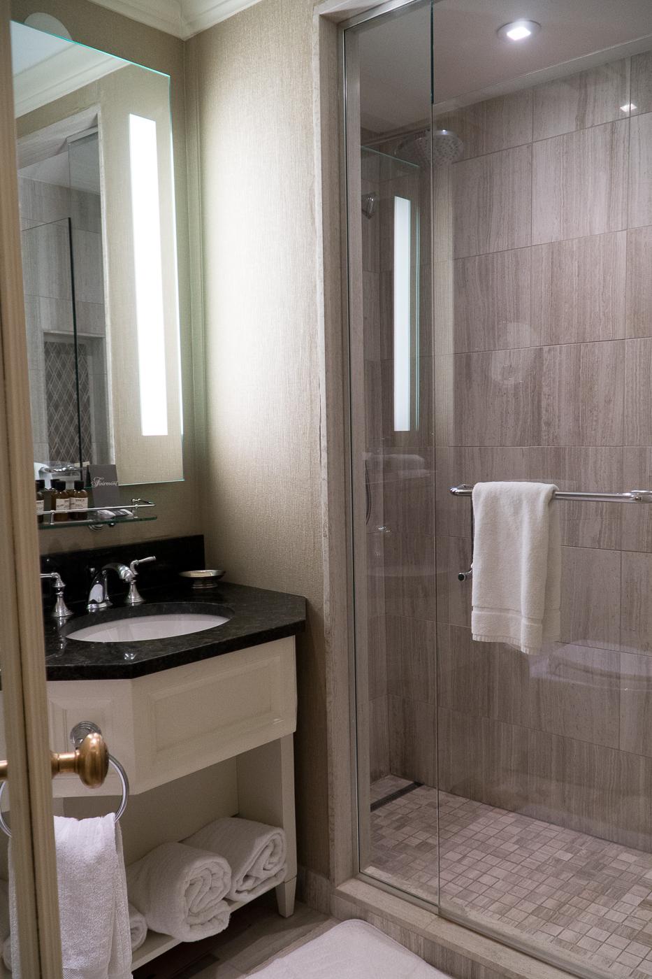 Salle de bains au Fairmont Château Laurier