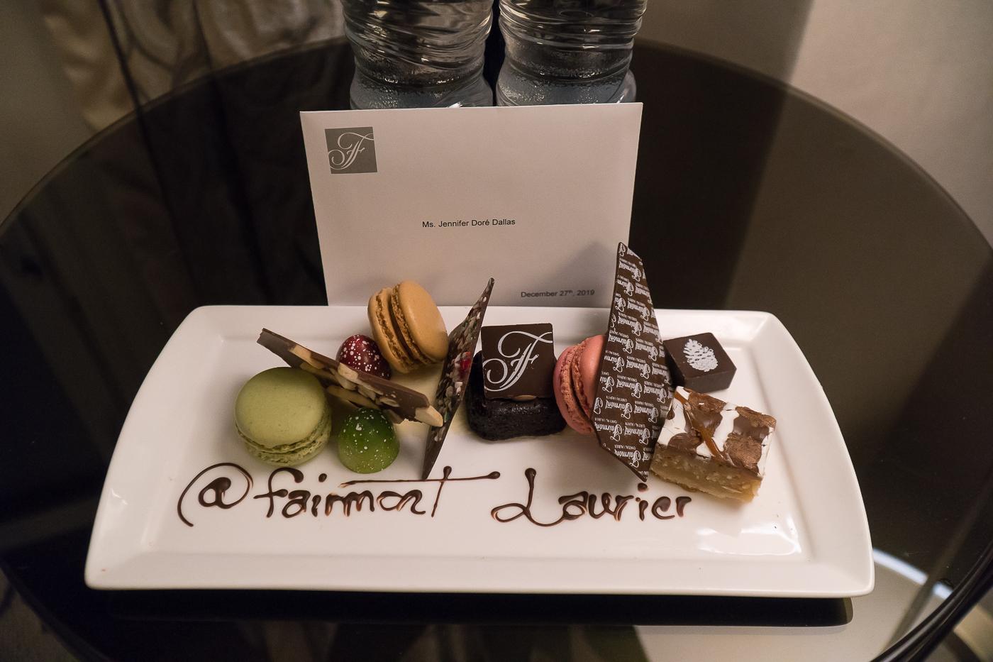 Surprise dessert dans la chambre au Fairmont Château Laurier