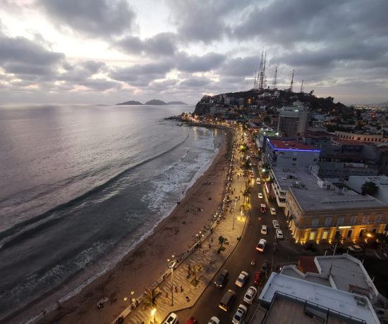 Vue panoramique du malecón de Mazatlán au Mexique