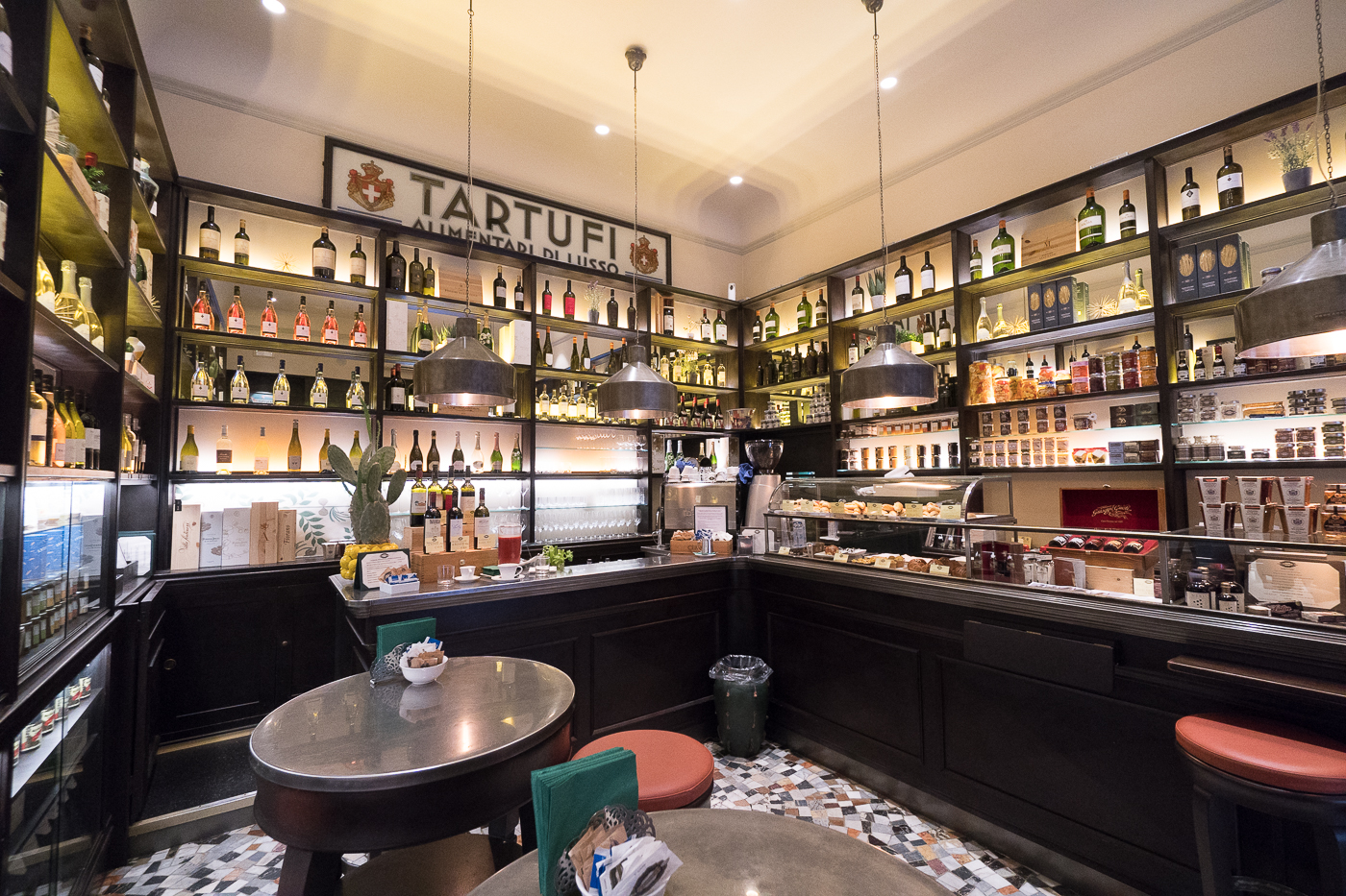 Intérieur de la boutique Procacci Tartufi Alimentari di Lusso - Truffe