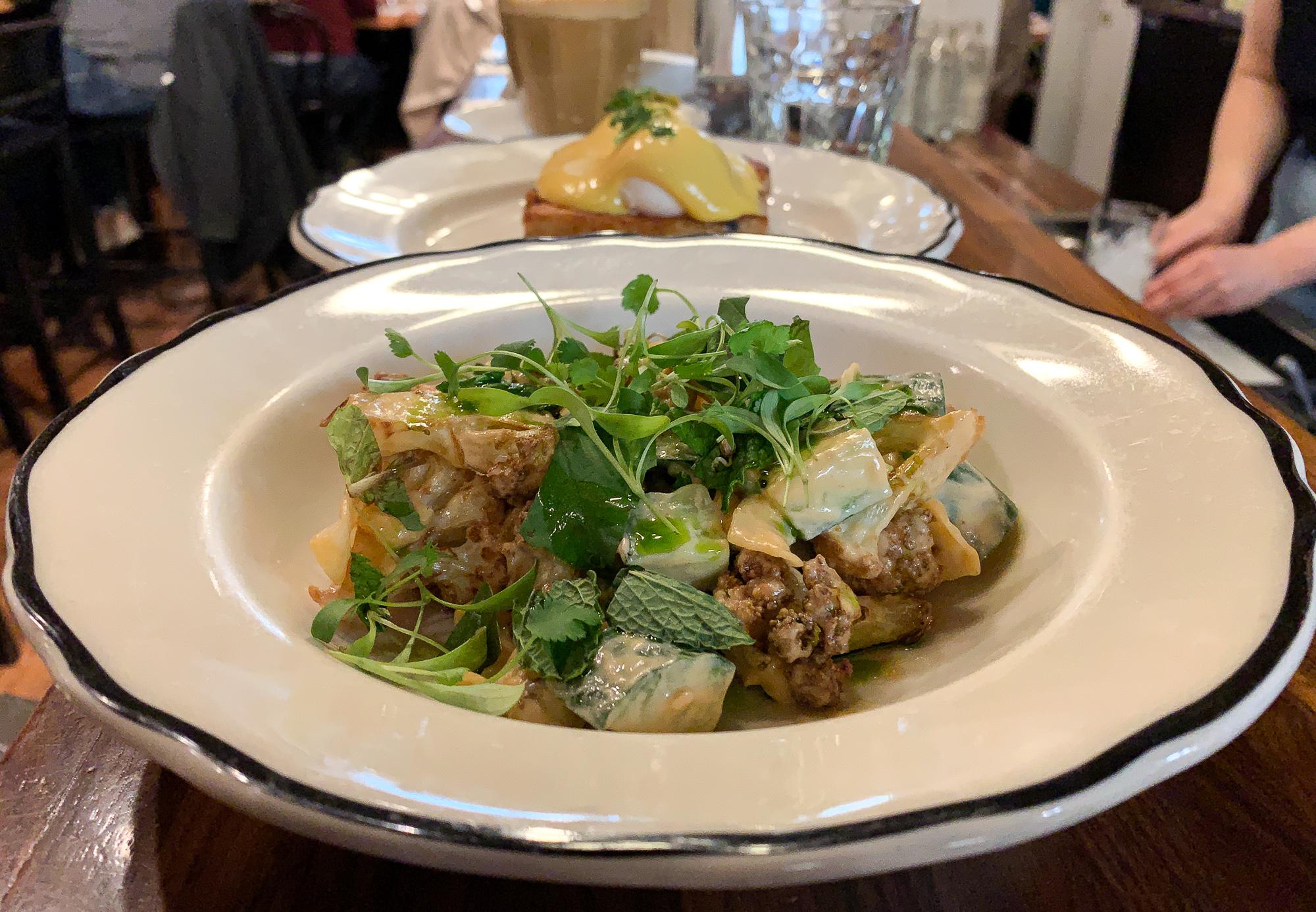 salade de chou-fleur du Clementine Café où manger dans le Exchange District de Winnipeg
