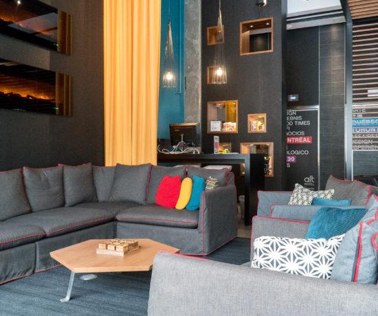 Sofas du lobby Alt Hotel Winnipeg