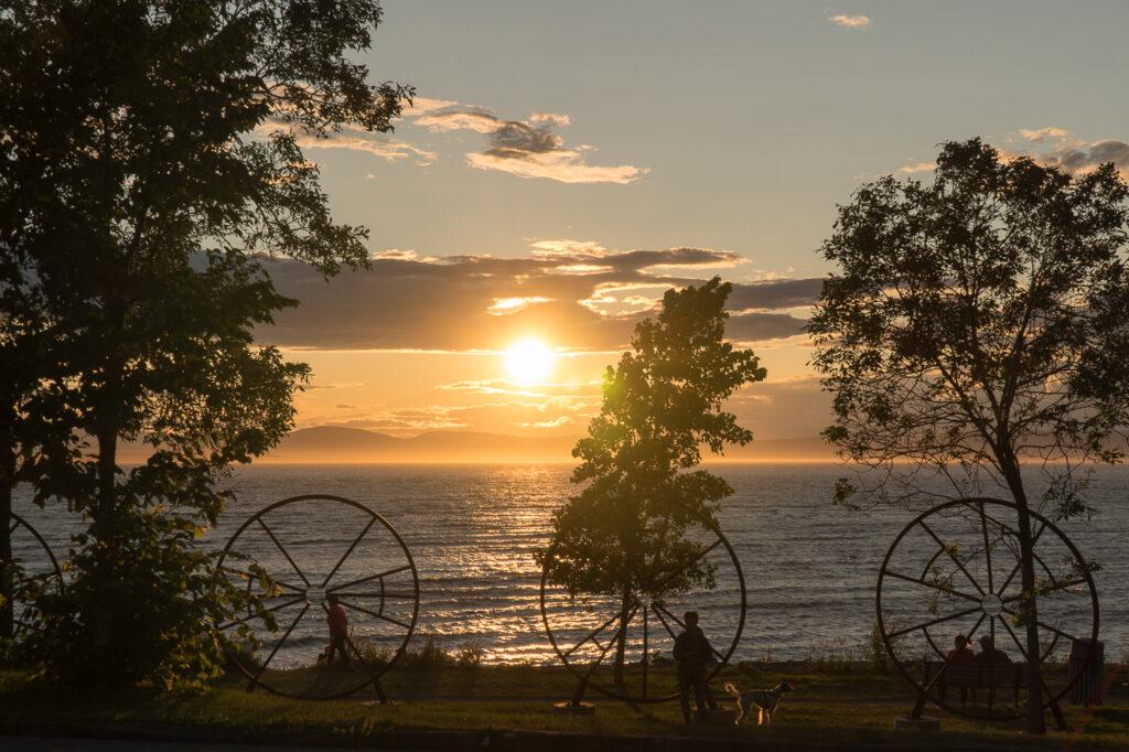 coucher de soleil au parc de la pointe