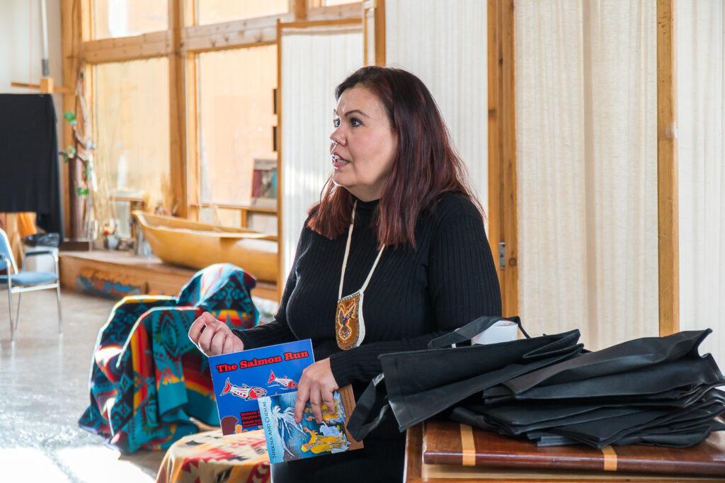 Tracey Kim Bonneau - Syilx Nation dans la Okanagan Enowkin Centre