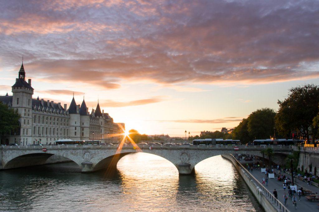 Pont de Paris où partir en 2021 - Mathilde de Voyager en photos