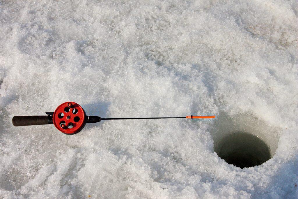 Trou de pêche sur la glace - Igrishkoff sur Pixabay