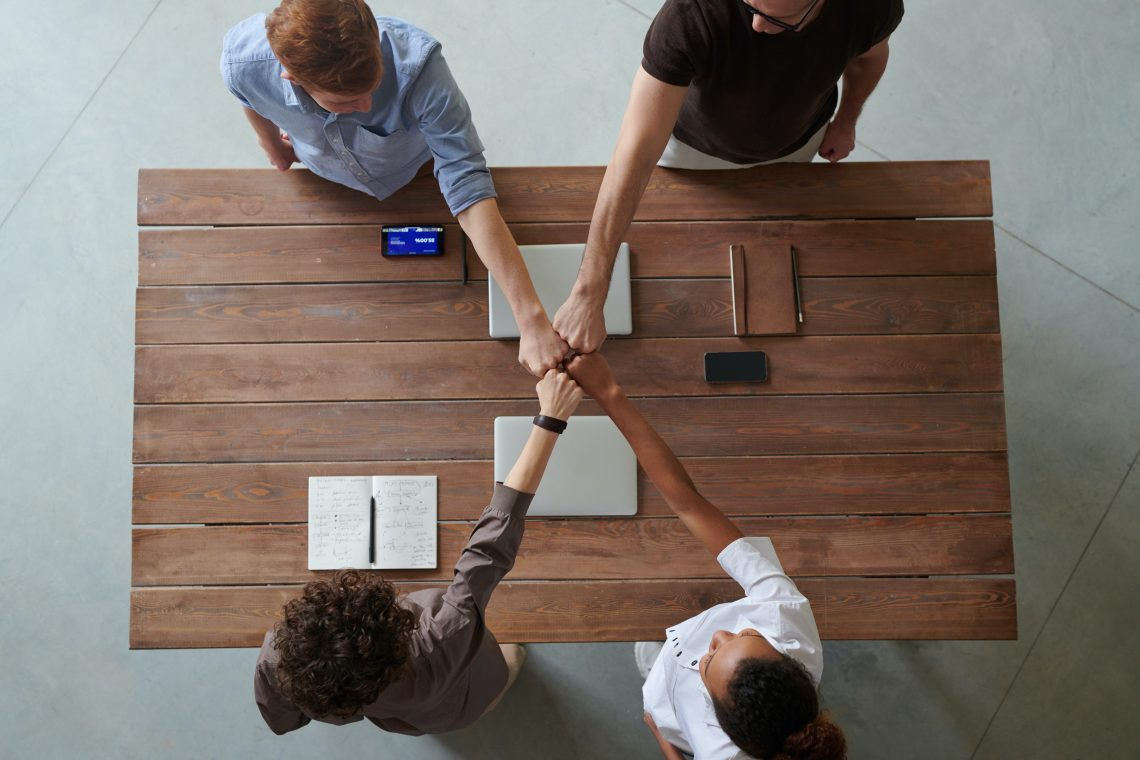 Partenariats - Photo: Fauxels de Pexels